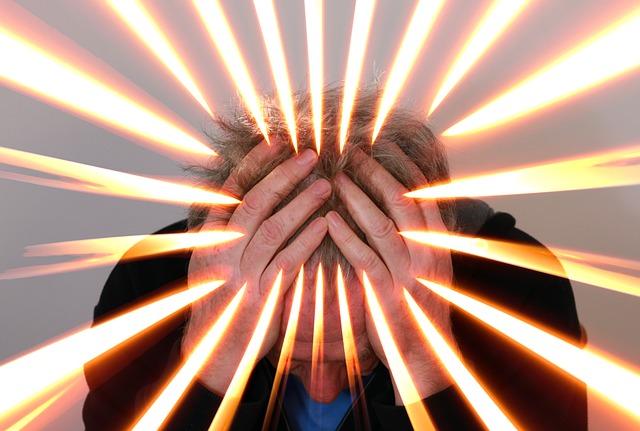 偏頭痛(片頭痛)の原因と症状と治し方。その予防と対策ついても教えます。