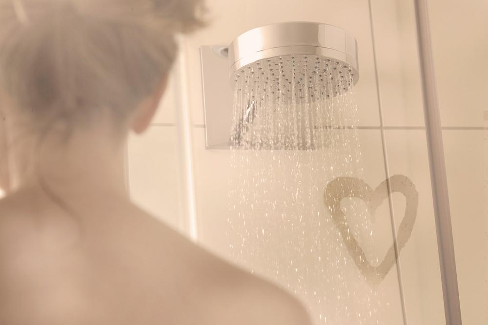 朝シャワーを効果的&温かく浴びる方法