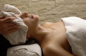 蒸しタオルの美容効果と作り方