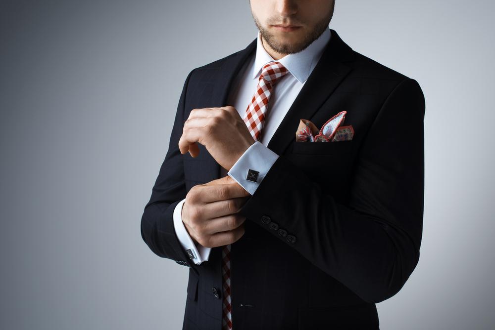 デキる男でなくてもハンカチ&ハンドタオルは持ち歩くべき4つの理由