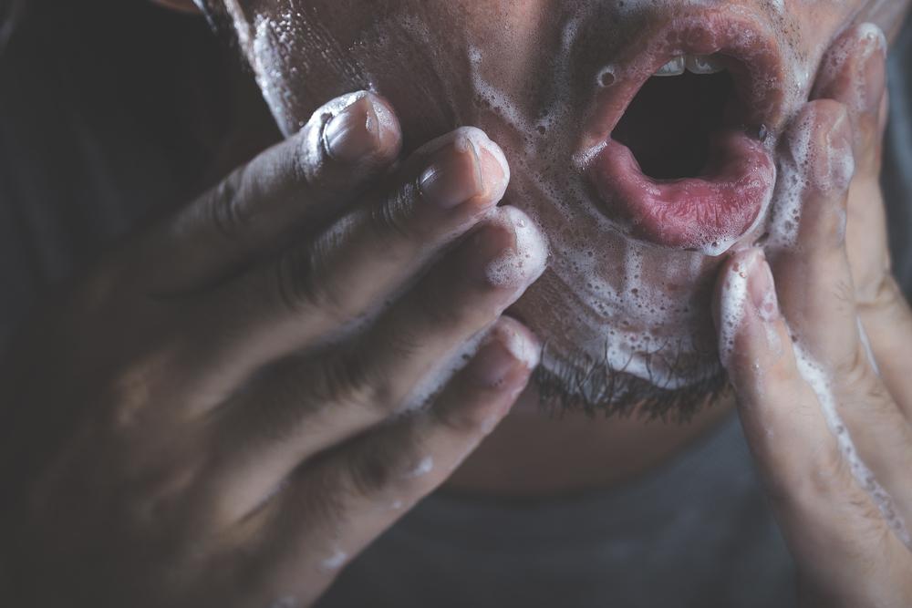 男性にありがちな間違った洗顔