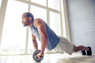 腹筋ローラーを上手に使いこなすコツとは?