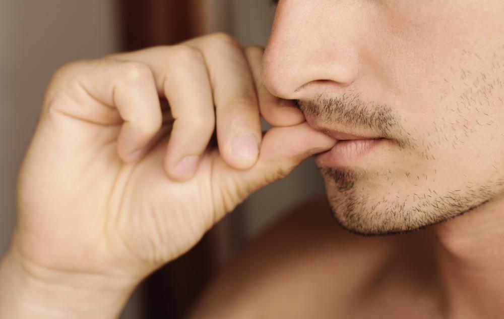 爪を噛む癖がとまらない?その原因と怖い悪影響とは?