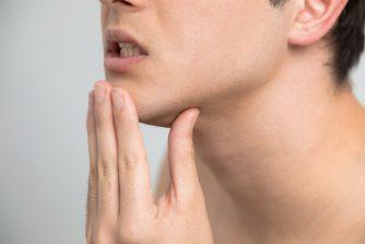 口元のニキビや吹き出物の原因とは?早く治す方法をレクチャー