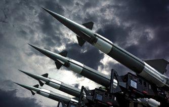 化学兵器「サリン」にトランプ氏が反応!トマホークミサイル発射!!