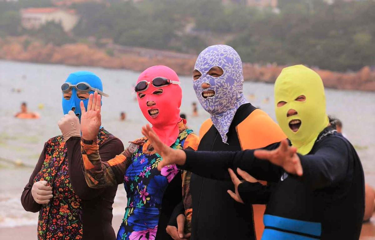 フェイスキニとは何?紫外線対策で中国のビーチが怖いことになっている!