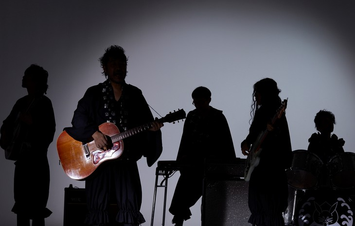 世界平和を歌うWONDER-FULL が正体不明バンドなのに大物感の謎