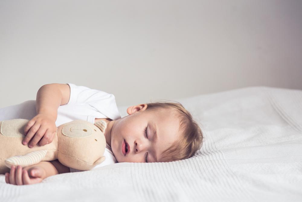 睡眠の質にはマットレスが鍵!高反発と低反発の違いや選び方は?