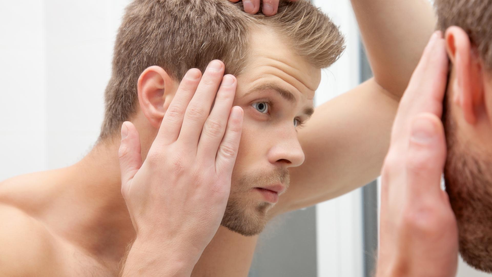 抜け毛の予防法とは?若くても油断大敵!その抜け毛は薄毛のサイン?