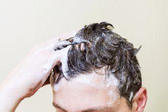 抜け毛対策におすすめシャンプーの選び方と対策方法