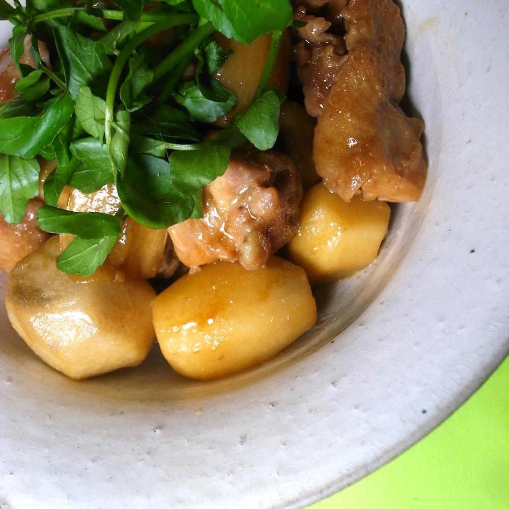 モテる男の自炊テクーー鶏肉と里芋の甘辛煮ーー