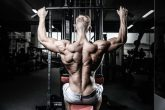 目指せ逆三角形!! 効果的に背筋を鍛えるマシントレーニング3選