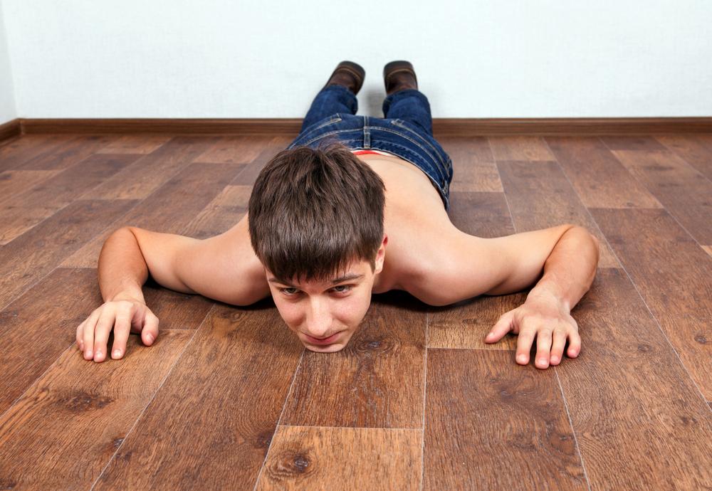 【男がすたる!?】腕立て伏せが出来ない原因と改善トレーニング方法
