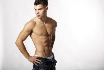 腹斜筋にかなり効果がある鍛え方とストレッチを徹底解説!くびれのある肉体美を目指せ!