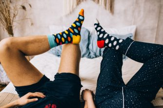 オシャレは足元から!靴下を着こなすポイントとおすすめ靴下ランキングTOP10