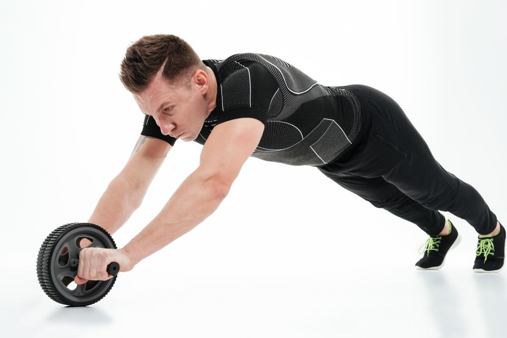 アブローラーは体幹の強化にも効果アリ!ぽっこりお腹を解消して引き締まった肉体へ