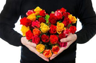 とっておきの花束を贈りたい…シーン別花束の値段の相場と贈るポイント