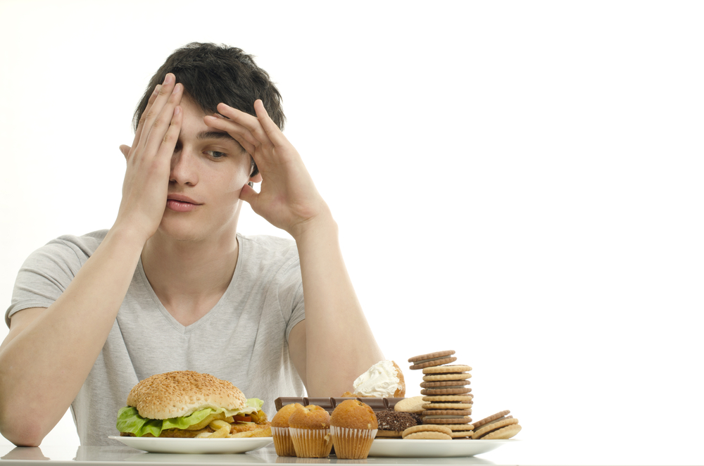 一人暮らしの食事は栄養が偏りがち!外食やコンビニでも栄養バランスを意識しよう