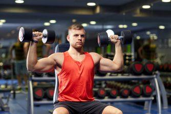 ダンベルショルダープレスは肩を鍛える最強のトレーニング!効果を上げるコツも紹介!