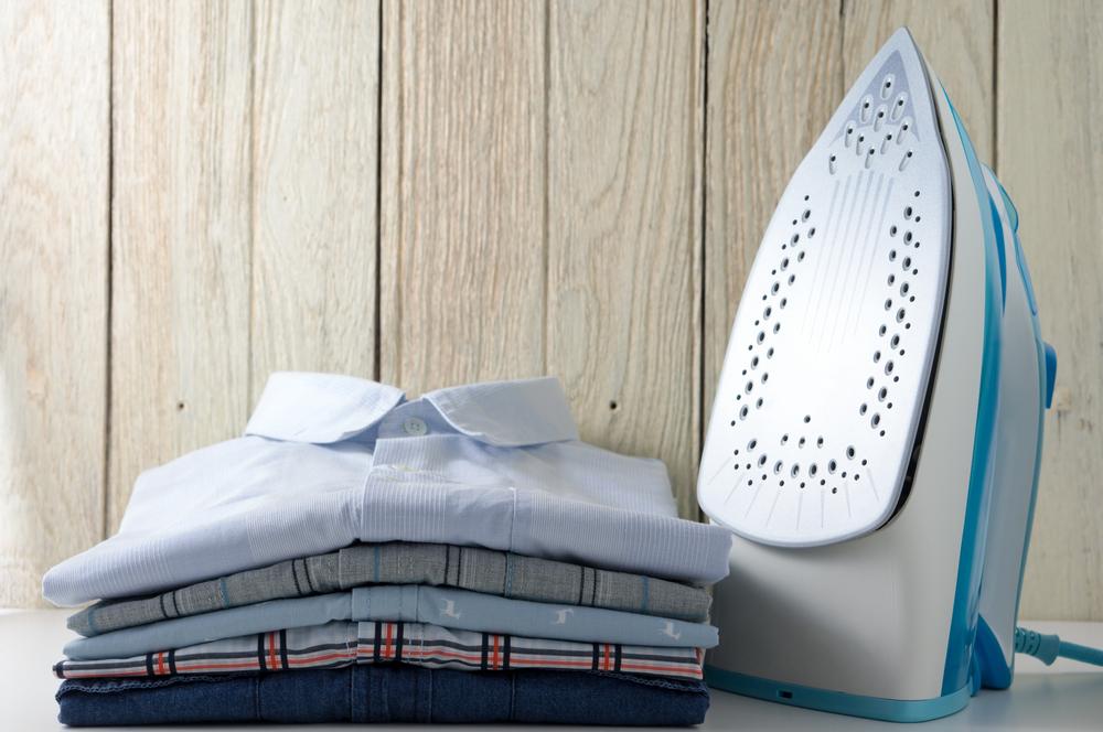 パリッとしたシャツは心を正す!一人暮らしにおすすめのアイロン&スチーマー5選