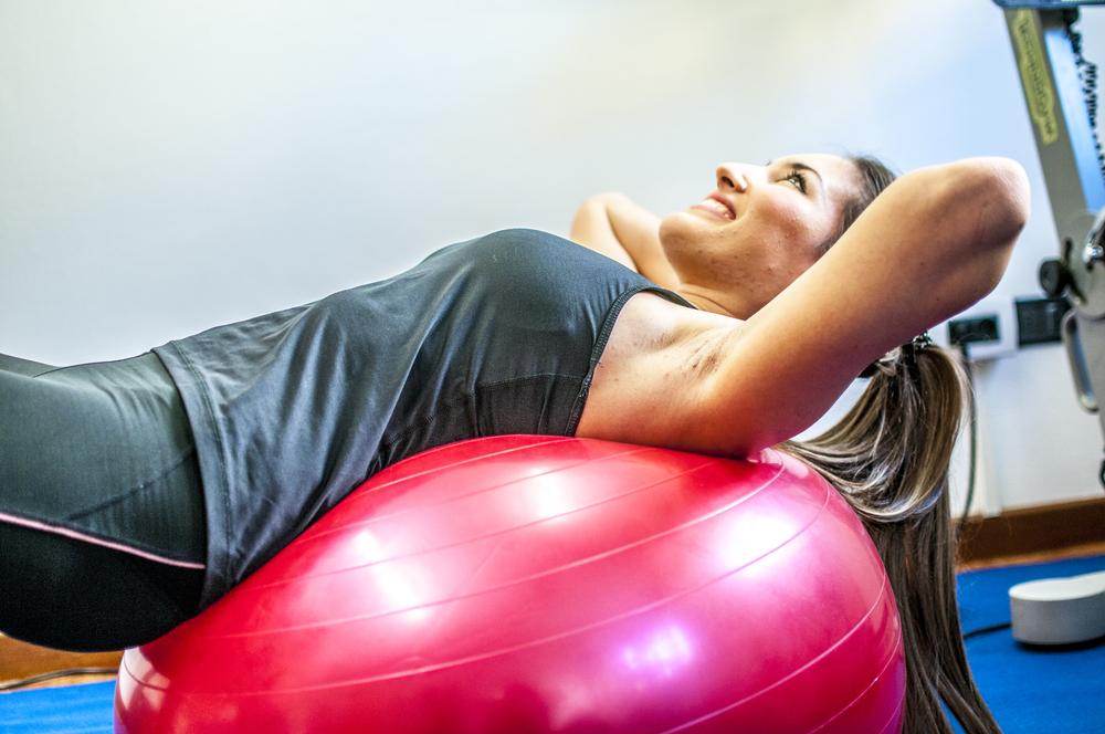 ダイエット、筋トレ、腰痛改善にも!自分に合ったバランスボールの選び方解説