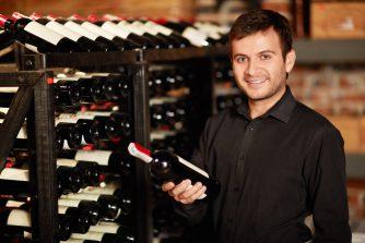 冷蔵庫でワインを保存するのはNG?ワインを美味しく保管する方法とは
