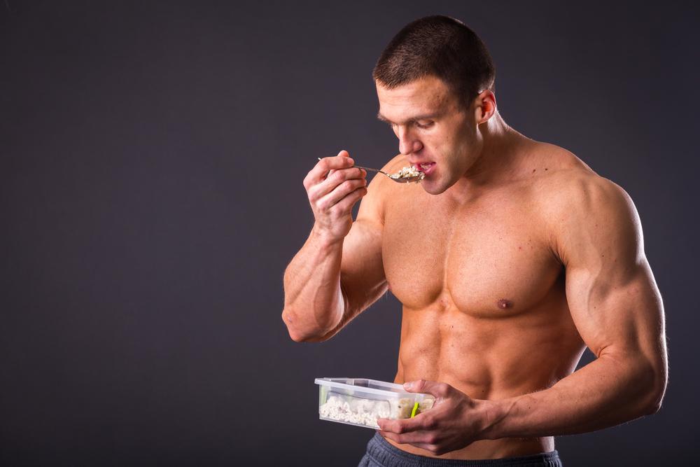 筋肉を増やしたいメンズ必見!筋肉増量期の正しい食事講座