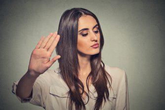 告白の返事を保留のあとOKをもらえる可能性は? 返事待ちの行動や態度が重要に!