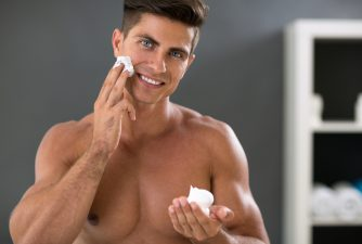 みんなが使っている化粧品を大公開!肌トラブル・年代別・オールインワンランキング
