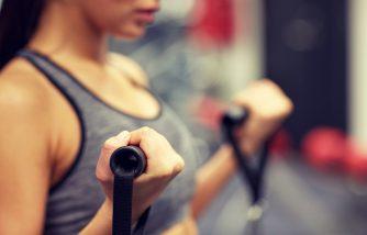ケーブルマシンを使ったトレーニング5選!全身トレーニングマシンを効果的に使おう!