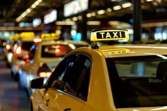 もはや大人の常識!タクシーの席の上座と下座を徹底解説!