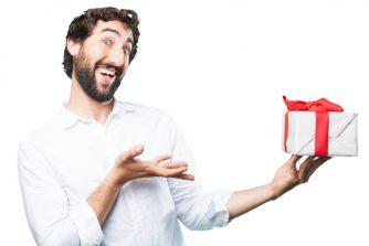 インパクト重視!印象に残る面白いプレゼント7選【誕生日やパーティーに!】