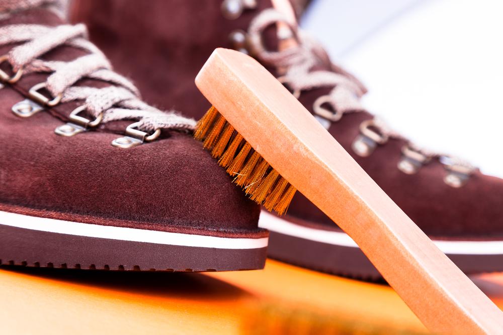 スエード靴の汚れは水洗いOK!正しい丸洗いでダメにしない方法