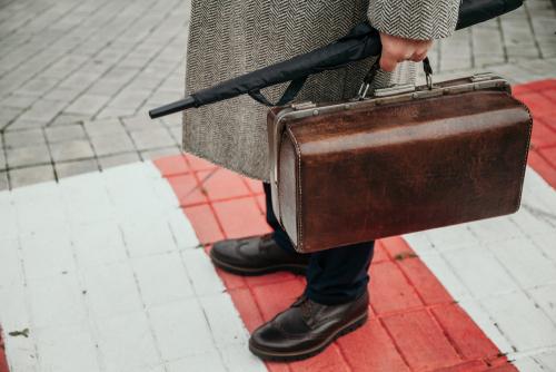 革靴が雨に…。そんな時のお手入れ方法を紹介!大切な革靴をきちんとケアしてデキる男に!