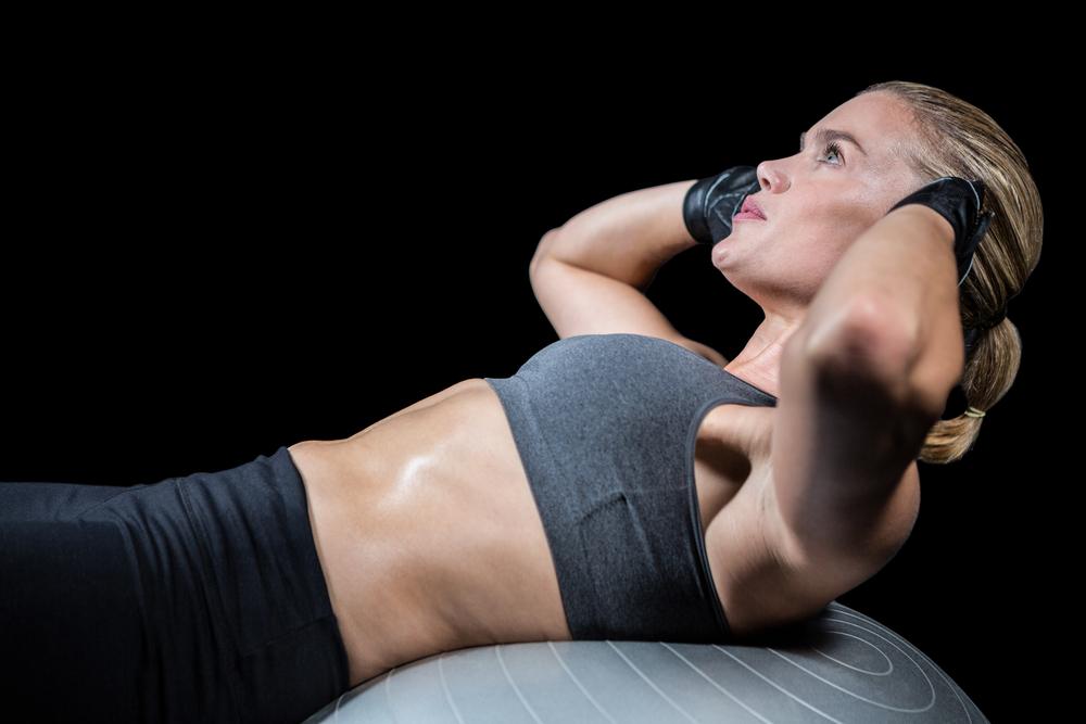 【知らない人必見!】腹筋時の呼吸法を徹底解説!息を止めている人は危ない!?