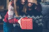 【クリスマスのサプライズ計画】彼氏が泣くくらい喜んでもらえる素敵な演出を紹介!