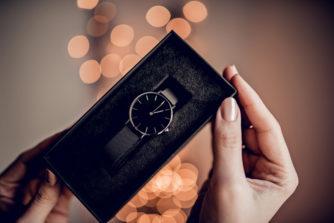 腕時計をプレゼントする意味って? 贈るなら注意すべきこと3つ!