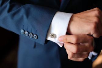 スーツのボタンは超重要!センス+常識が問われるボタンの種類と選び方