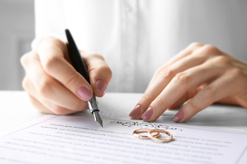 いま増加中の『友情結婚』の実態とは?新しい夫婦のカタチを徹底解説!