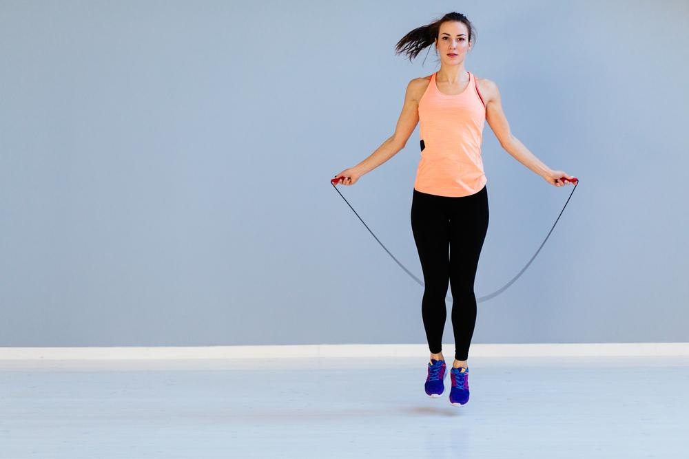 縄跳びダイエットの正しいやり方!胸を落とさないための対策とは?