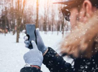 通勤通学からアウトドアまで!この冬おすすめのスマホ対応手袋6選!