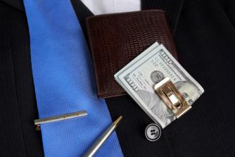 【おすすめマネークリップ7選】財布の時代からマネークリップの時代へ!