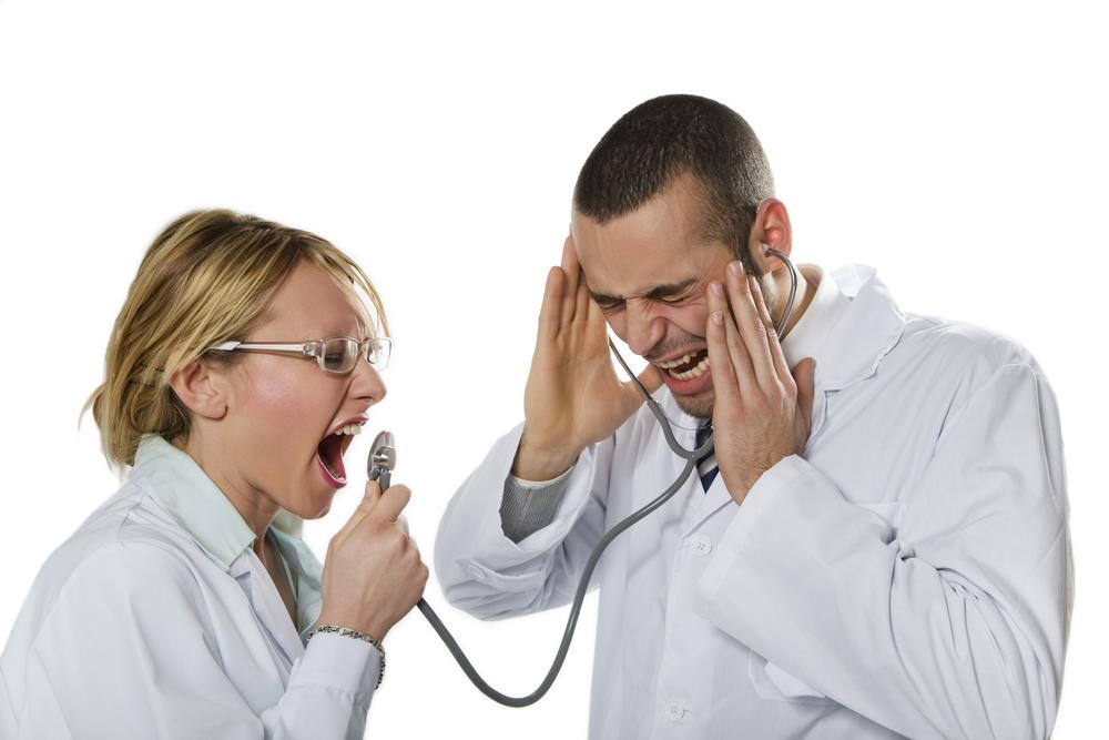 病院でのハラスメントはなぜ起きる?原因と悩んだときの正しい対処法とは?