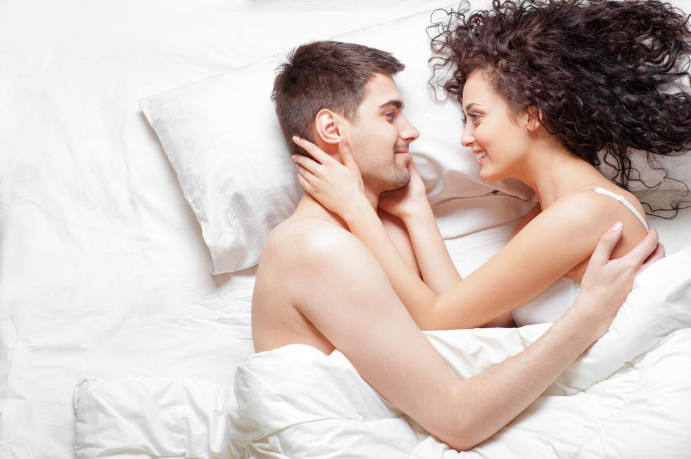 寝起きセックスが朝活になる!?快感が桁違いの謎を完全解説!
