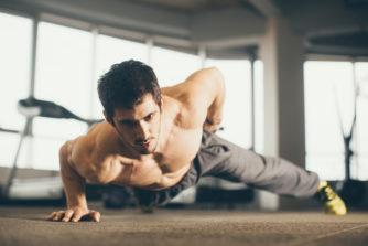腕立て伏せの種類で鍛えられる筋肉が違う!筋肉別トレーニングを紹介!