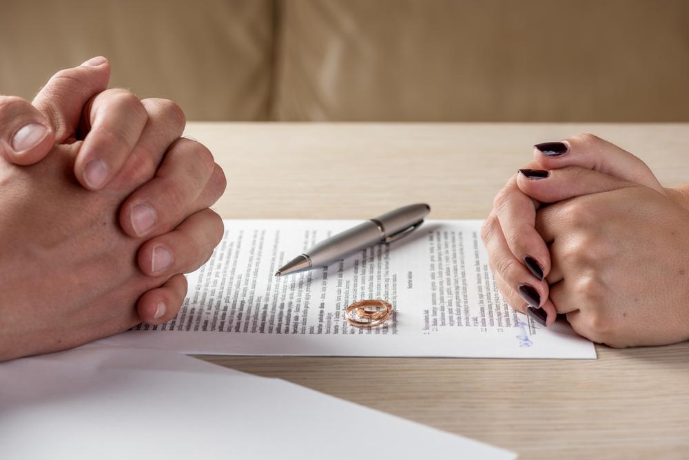 契約結婚のメリット・デメリットとは?【普通の結婚とは何が違う!?】