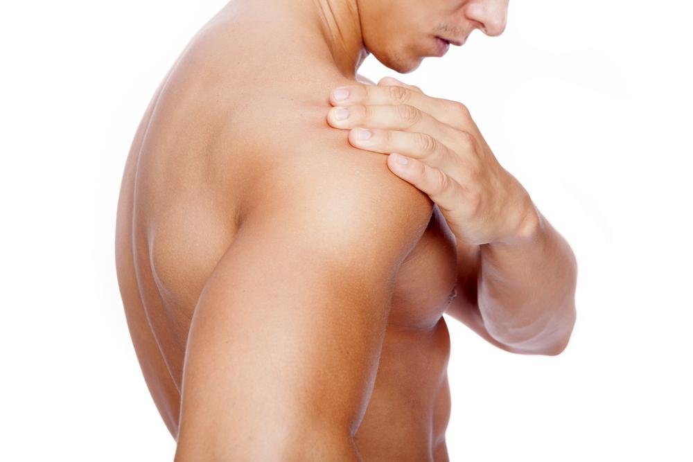 肩幅の広い男は総じてモテる!【自宅で簡単】肩幅に筋肉をつけるトレーニングを公開!
