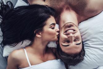 カップルの理想のセックス頻度とは?セックスの多いカップルは長続きする!