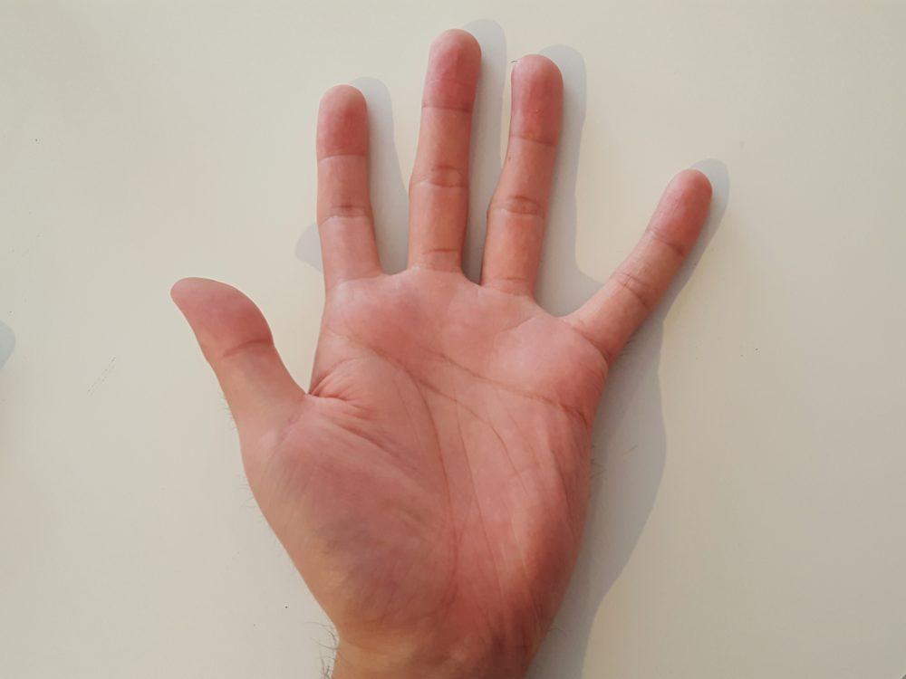 身長にまつわる噂の真相。「指の長さは身長に比例する」はウソ!? 本当!?