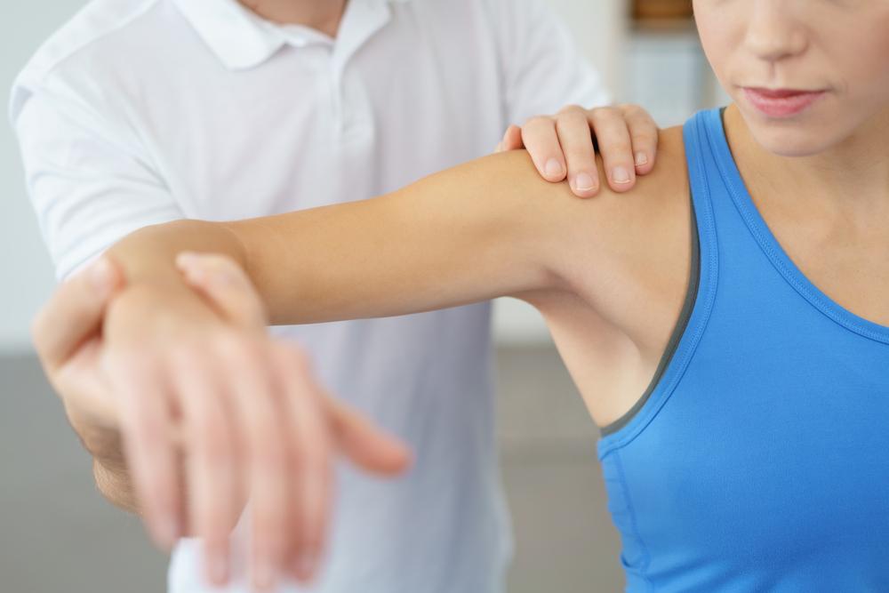 肩こりや姿勢矯正だけじゃない!「肩甲骨はがし」の嬉しい効果とやり方を徹底解剖